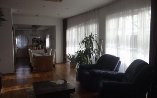 Eladó Lakás - Budapest II. kerület  Szinteltolásos lakás