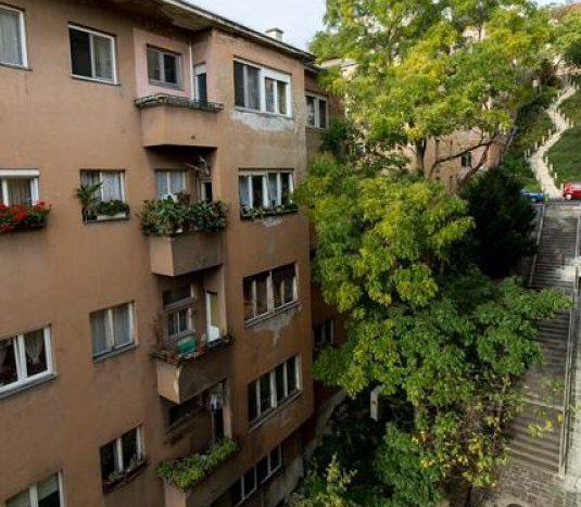 Eladó Lakás - Budapest I. kerület  Panorámás lakás a Budai Vár tövében!