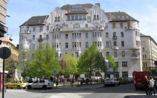 Eladó Lakás - Budapest VIII. kerület  Gutenberg házban 2+fél szobás