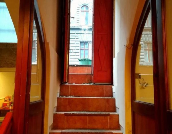 Eladó Kereskedelmi és ipari ingatlan - Budapest VII. kerület  Damjanich utca közelében