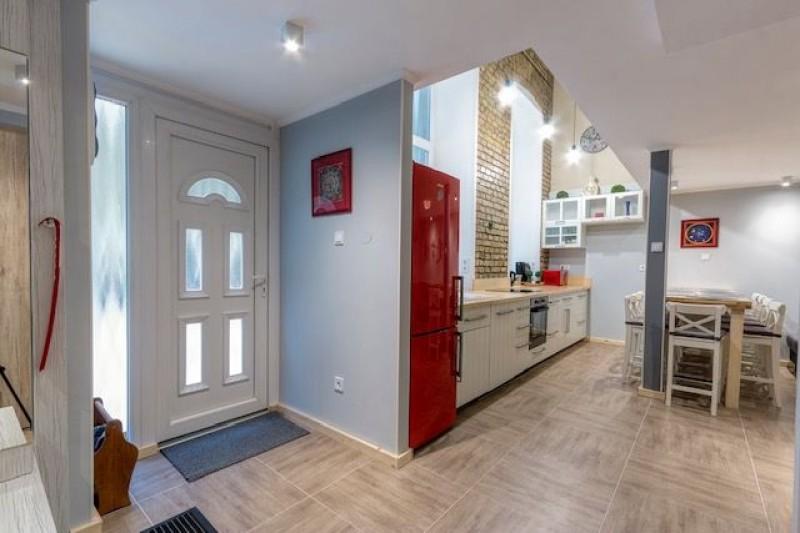 10) Eladó lakás Budapest, VII. kerület, Középső