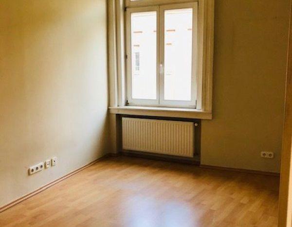 Eladó Lakás - Budapest II. kerület  Lövőház utca