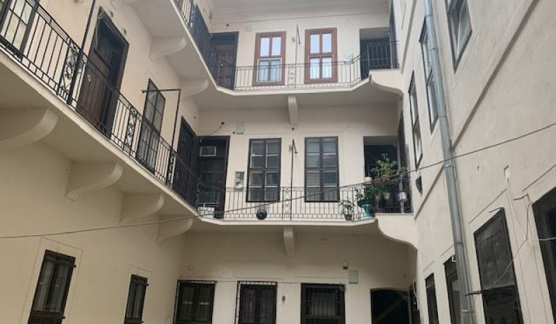 Eladó Lakás - Budapest VI. kerület Terézváros - Nagykörúton belül Jókai utca