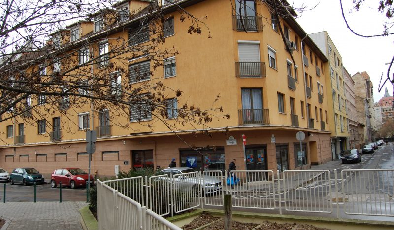 Kiadó Garázs - Budapest VIII. kerület Józsefváros - Corvin negyed - Nagykörúton kívül Hock János utca