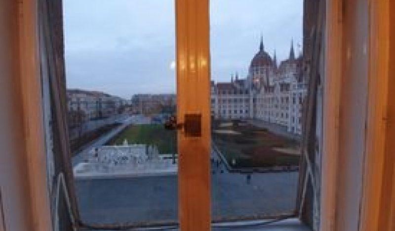 Eladó Lakás - Budapest V. kerület Lipótváros Kossuth Lajos tér